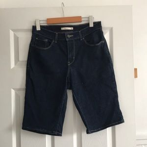 Levi's dark wash jeans bermuda short